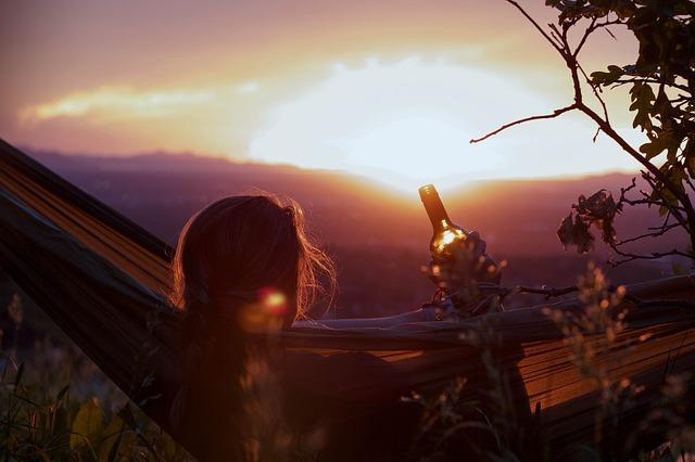 západ slunce v houpací síti.jpg
