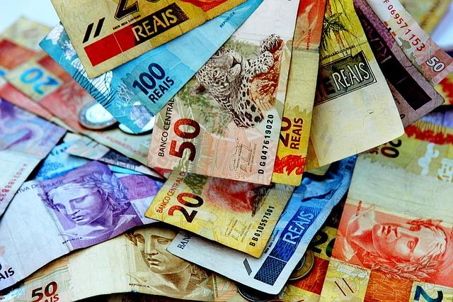 barevné bankovky, brazilská měna
